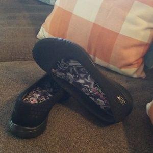 Skechers Shoes - Sketchers air-cooled memory foam 8.5
